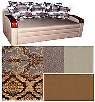 Софа Прага с элегантными накладками с вензелями на подушках
