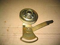 Ролик натяжной ГАЗ 53 с кронштейн, фирменной упаковке (производитель ЗМЗ) 53-1308067-06