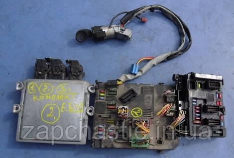 Блок управления двигателем (ЭБУ) комплект Siemens Пежо Партнёр 2.0HDi SID 801A