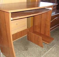 Стол компьютерный прямой С2 эконом-класса, с полочкой под клавиатуру размер h=750 мм, 900х550