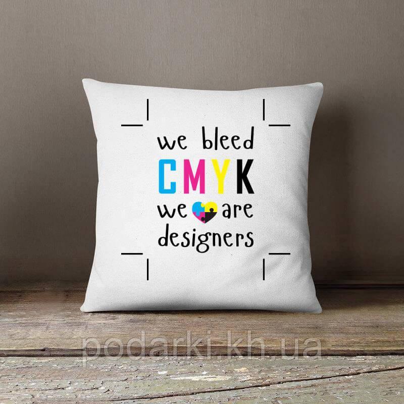 Креативная подушка для дизайнера