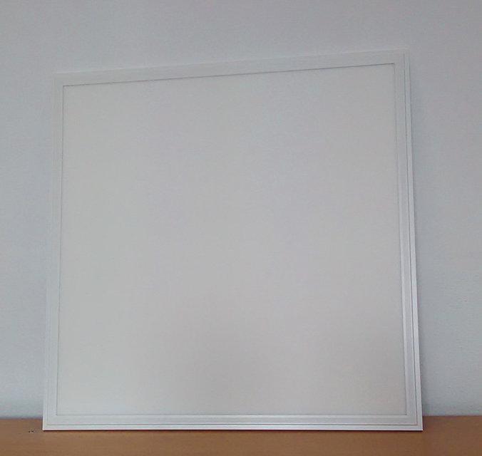 Светодиодная LED панель 32Вт 2200lm 6500К ВСТРАИВАЕМАЯ 600х600х9мм  матовая с алюминием