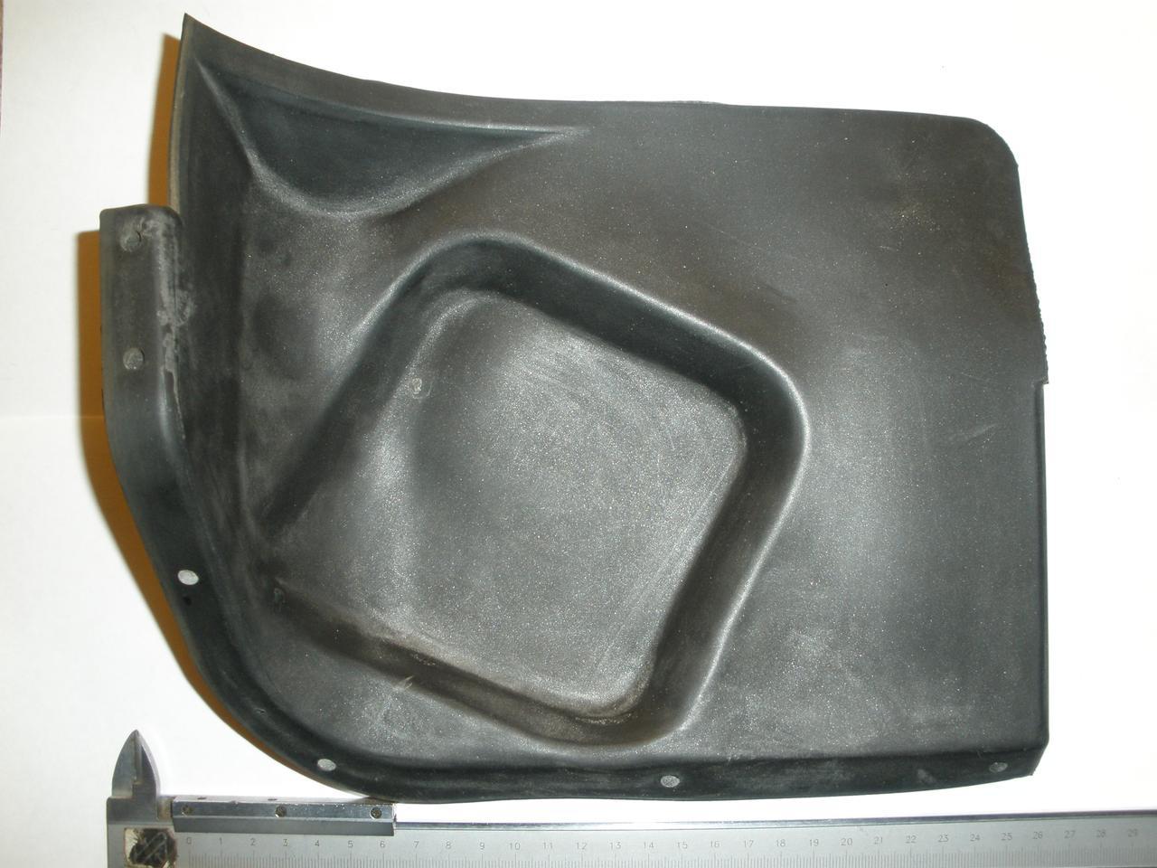 Ущільнювач брызговика лівого крила задній ГАЗ 3102, 31029, 3110 (3102-8403330, пр-під ЯРТИ)