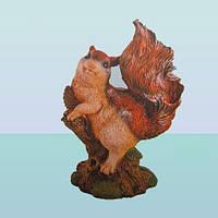 Садовая фигура, скульптура для сада Белка на ветке