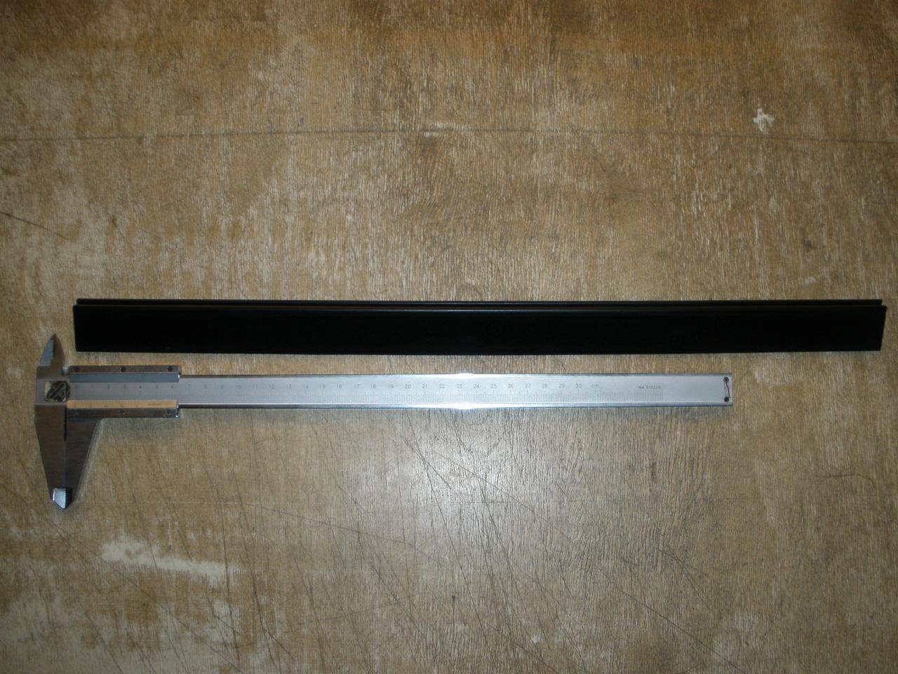 Ущільнювач рухомого скла вертикальний ГАЗ 2705, Газель 3221, 2217 Соболь (3221-5403074 пр-во ЯРТИ)