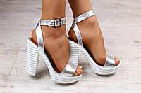 Женские кожаные босоножки,на каблуке, серебристые