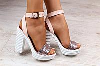 Женские кожаные босоножки,на каблуке, пудровые, на носке блестящая кожа-глиттер