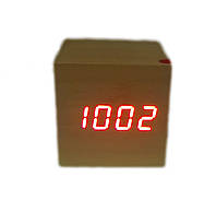 Часы настольные 1293 под дерево  с красной подсветкой