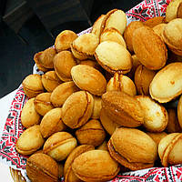 Орешки со сгущенкой и грецким орехом