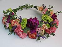 Венок из живых миксованных цветов