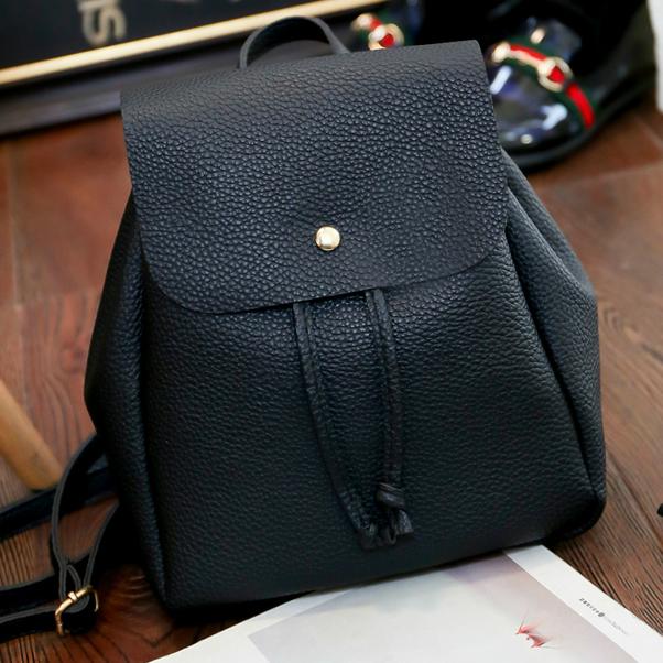 Маленький черный рюкзак