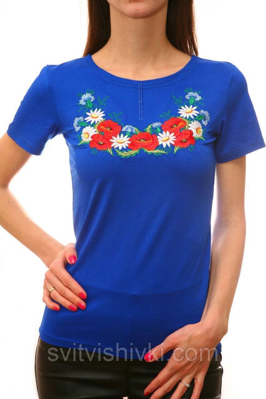 Женская вышитая футболка в украинском стиле