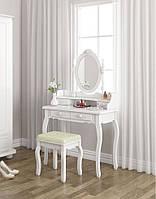 Косметический столик с наклонным зеркалом и пуфиком
