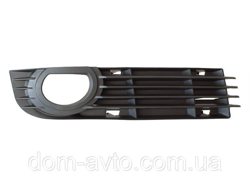 Заглушка  в передний бампер Audi A8 D3 05-10