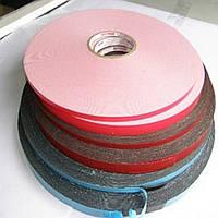От 4мм до 1000мм\50метров     Белая лента на пенополиэтиленовой основе (Лайнер - плёнка красного цвета ПЕ).