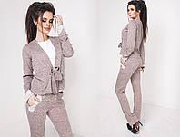 Оригинальный костюм тройка, состоит из майки белого цвета, кофта однотонная на завязку, брюки с карманами.
