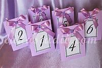 Сиреневые таблички с номером стола на свадьбу, двухсторонние