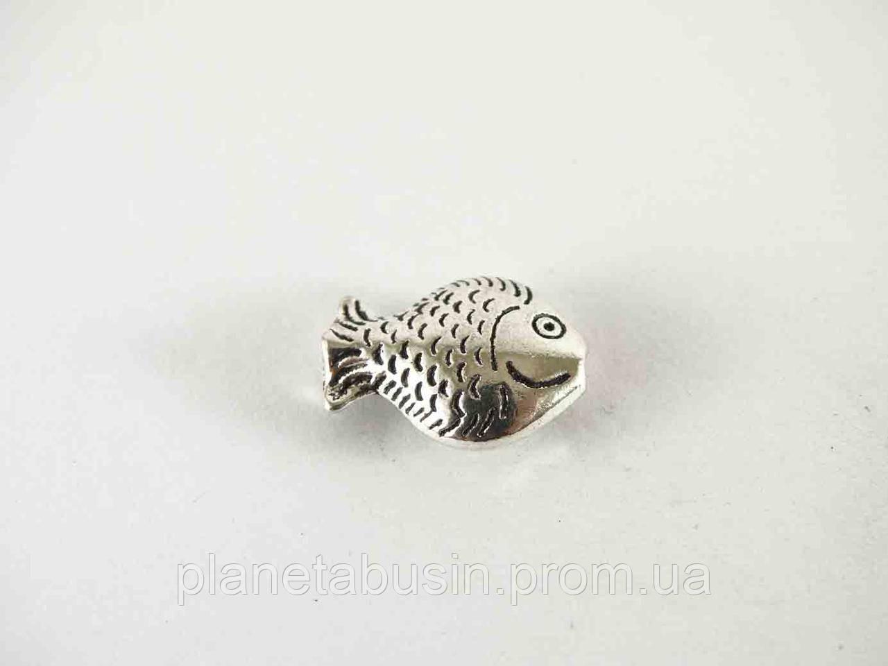 Бусины Серебряная рыбка 10шт, размер 16х7мм, отверстие 1мм