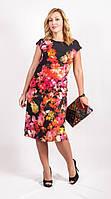 Красивое черное платье с цветочным принтом