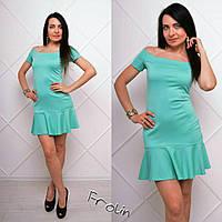 Женское летнее платье с открытыми плечами в разных цветах