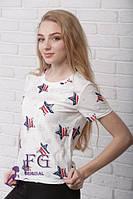 Трикотажная женская футболка на лето