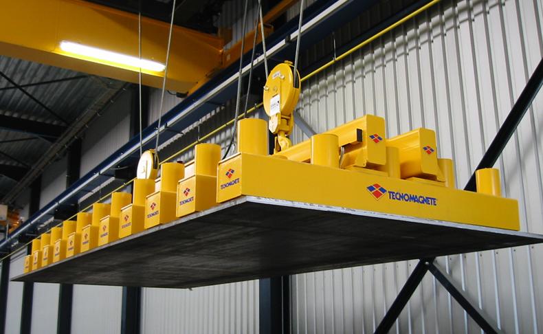 Магнитная траверса TTO/100 грузоподьемность 2000 кг