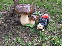 Садовая фигура Грибы и еж с грибами