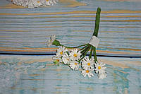 Бутоньерка мини-ромашки белой ткань 10 шт 1 см