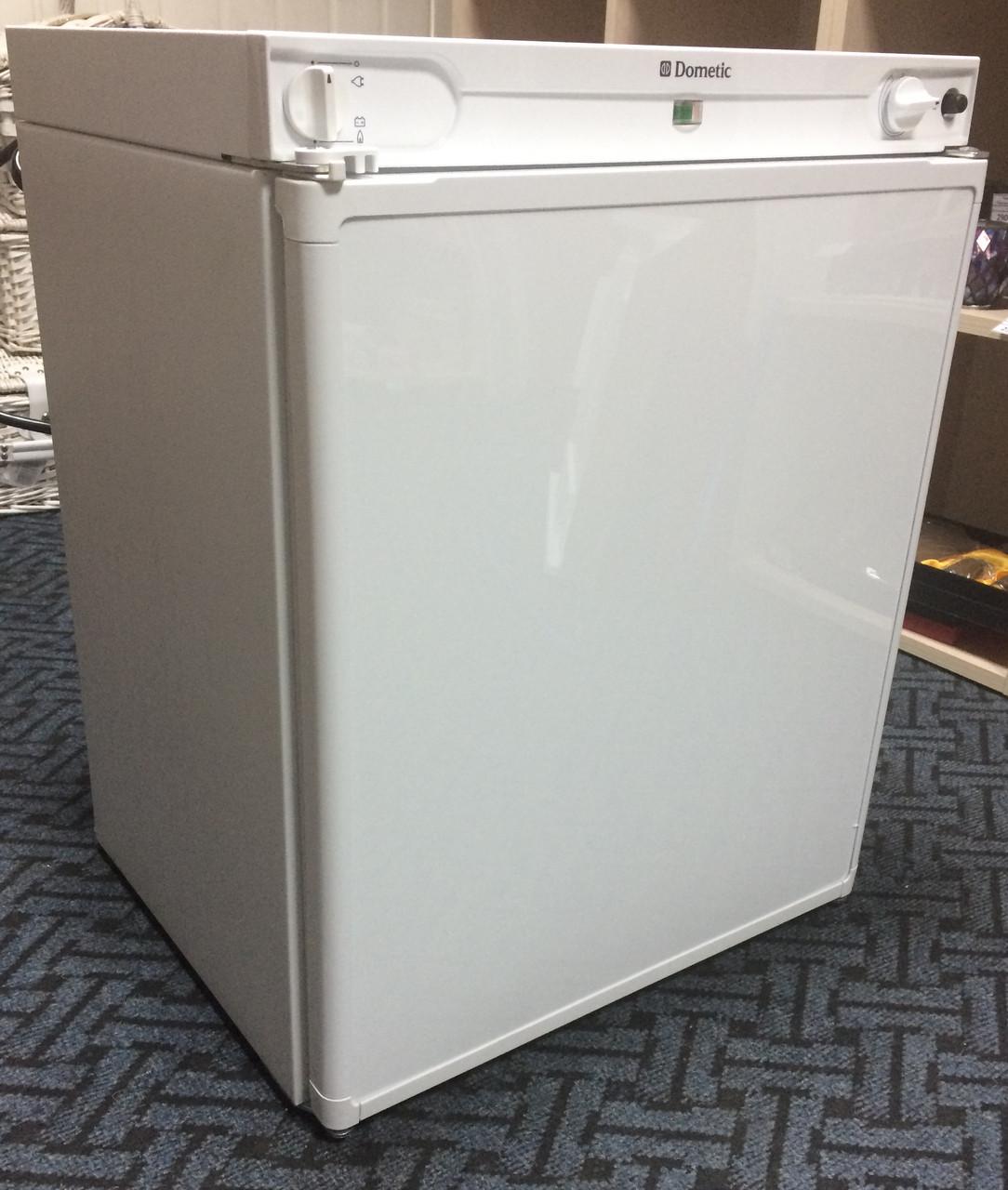 Абсорбционный автохолодильник Dometic Combicool RF62 (60л) (12/220 В+Газ) с морозилкой