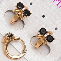 Серьги золотистые с черными камнями