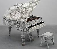 Обвязанный рояль