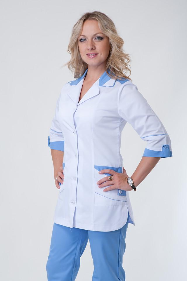 фотография женский медицинский костюм на пуговицах