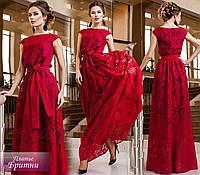 Красивое красное выходное платье в пол с цветочным принтом