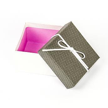 Подарочная коробка под бижутерию серая с белым бантиком 9 x 9 x 5,8 см