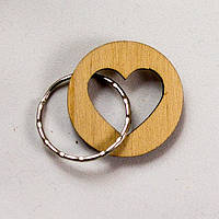 Деревянный брелок с сердечком.Подарок из дерева