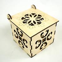 Шкатулка квадратная на петле с ресунком.Подарок из дерева