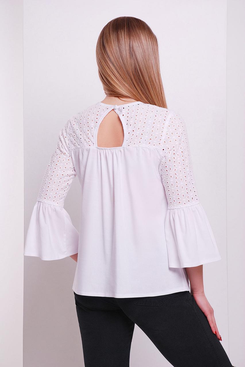 Женская белая блуза с прошвой