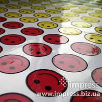 Изготовление наклеек и стикеров на самоклеящейся бумаге или пленке, фигурная подрезка, тираж от 1 штуки