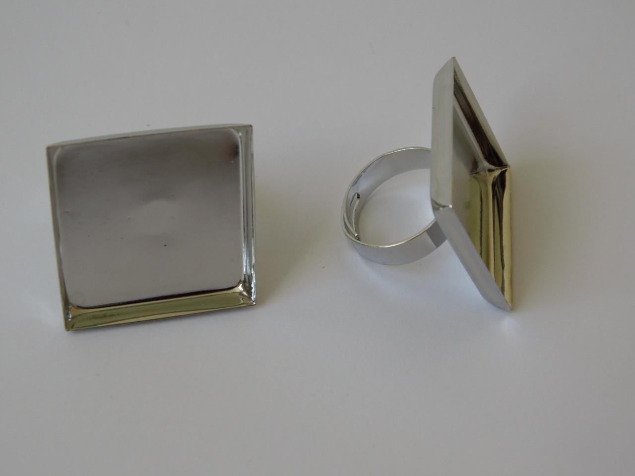"Кольцо ""Квадрат"" 25 * 25 мм. платина"
