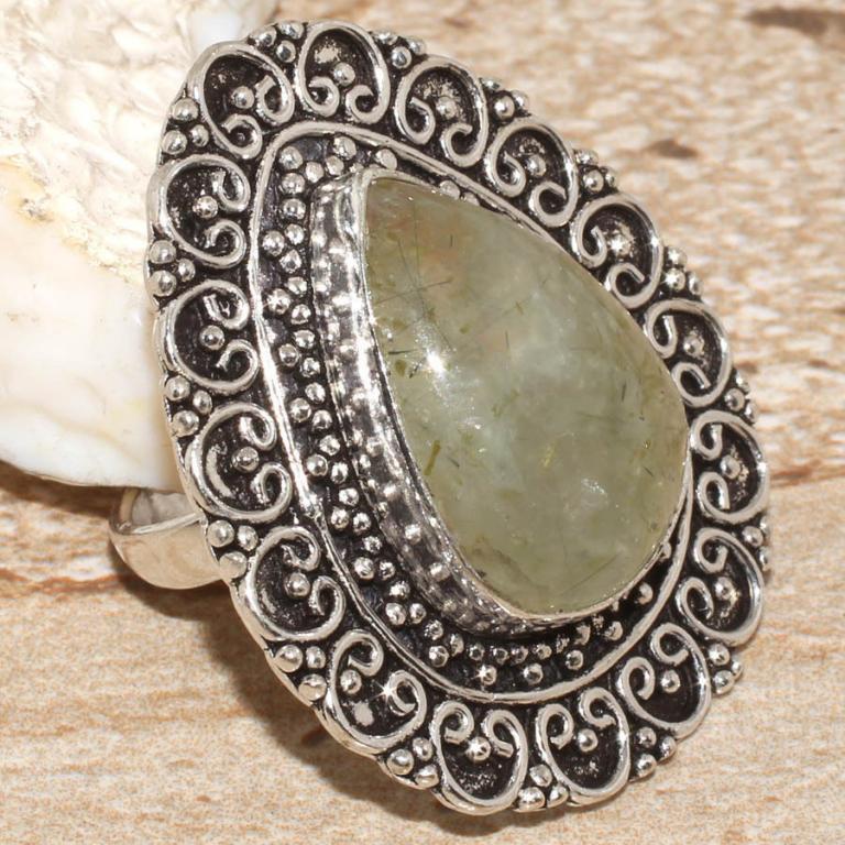 Кольцо с натуральным камнем пренит капский изумруд в серебре. Размер 17. Кольцо с пренитом Индия