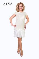 Модное платье молочного цвета, прямого кроя, из качественного гипюра