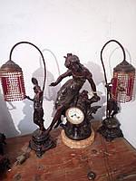 Старинные часы каминные с настольными лампами