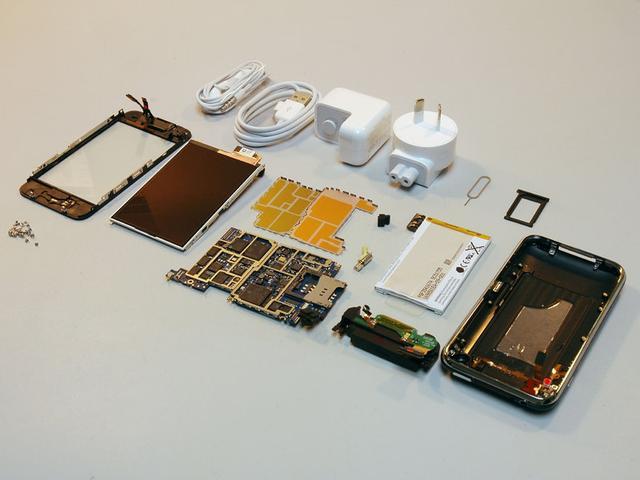 Запчасти для iPhone 3 GS