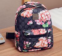 Стильный рюкзак с принтом цветов