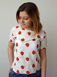Молодіжна жіноча футболка з полуницею