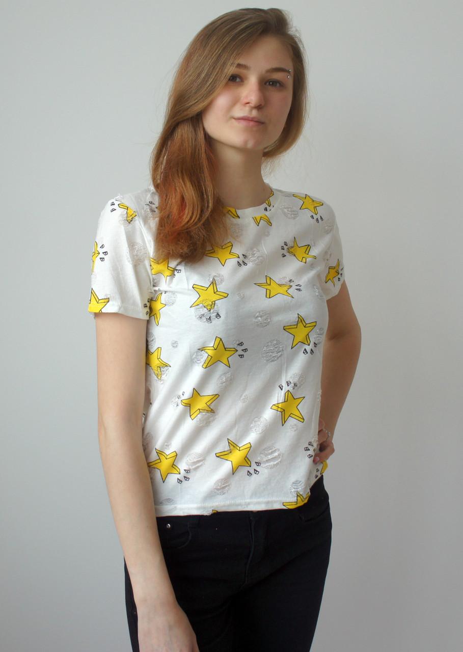 Белая женская футболка со звёздами