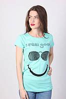 Женская футболка бирюзового цвета