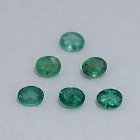 Изумруд зеленый овал 3,5х4,5 мм. 0,15 карат