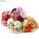 Искусственные розы, пионы,гортензии, рунункулюсы, камелии.