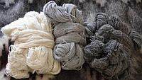 Пряжа - натуральна із овечої шерсті .